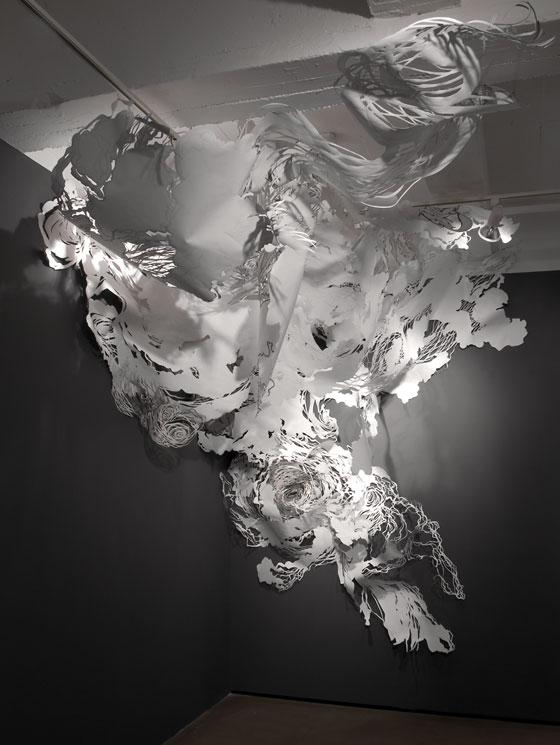 Les installations en papier de Mia Pearlman