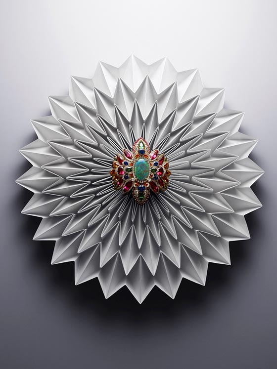 So Chic, origami et joaillerie par Charles Helleu