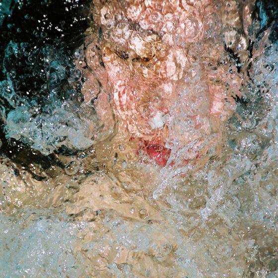 Underwater auto-portraits by Noriko Yabu