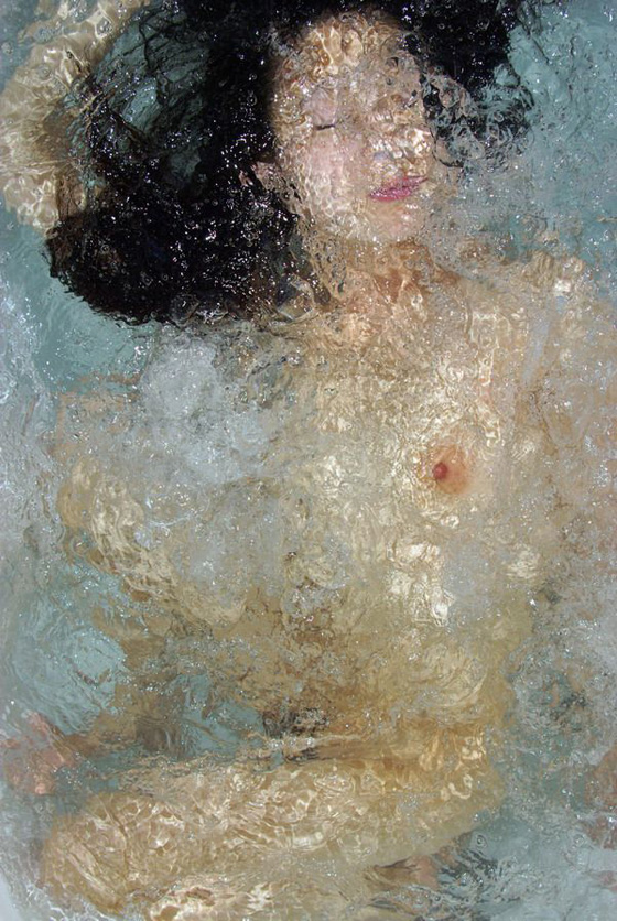 Underwater self-portraits by Noriko Yabu