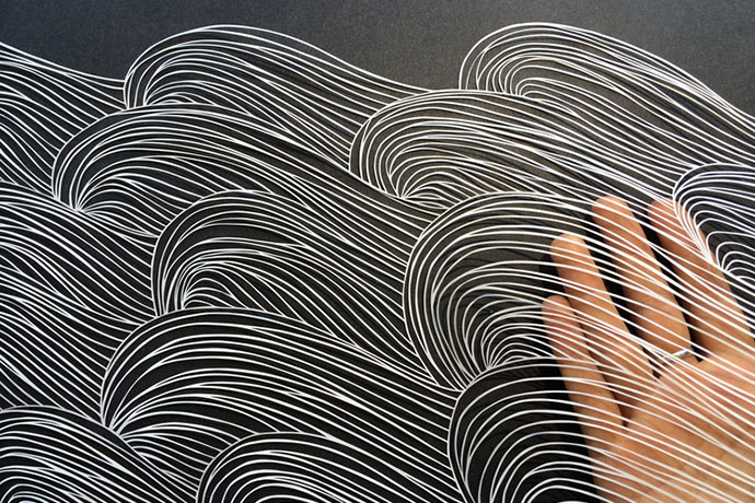 « Brave Bird » intricate paper art by Maude White