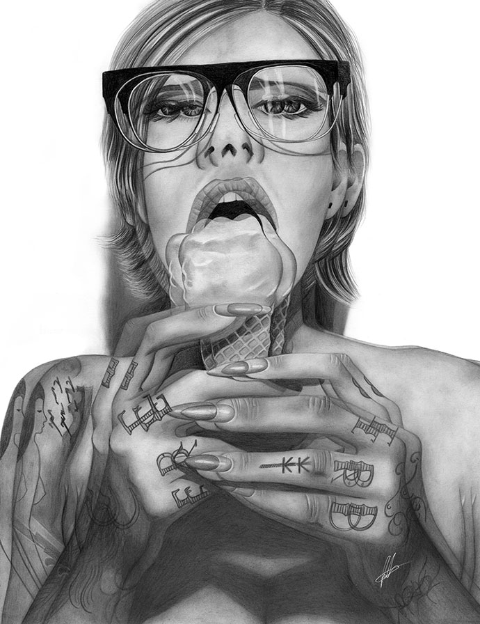 Laura Eddy drawing very detailed portraits
