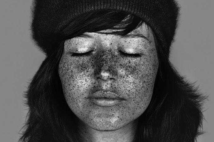 Portraits aux ultra-violets par Cara Phillips